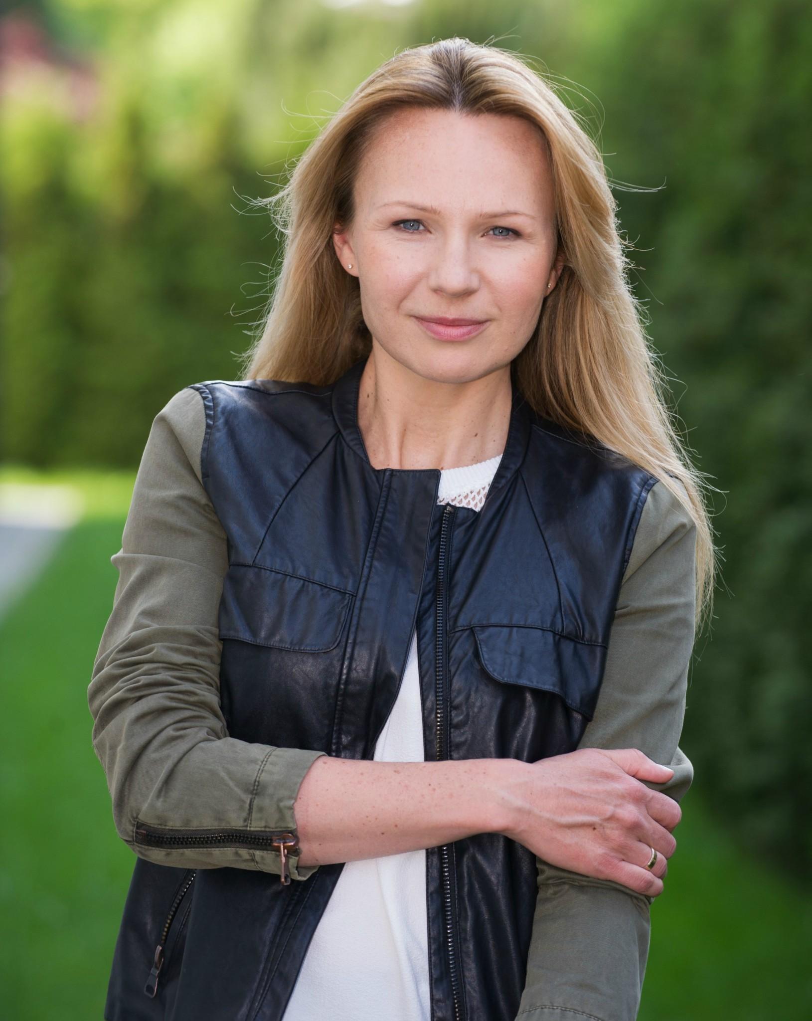 Anna Guzik - Tylka